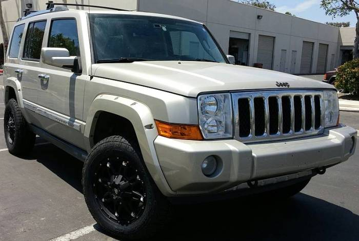 White Diamond Matte Black 5610 on 2008 Commander